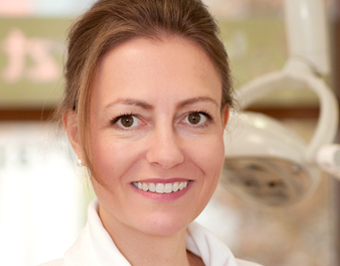 Dr. Veronika von Borries